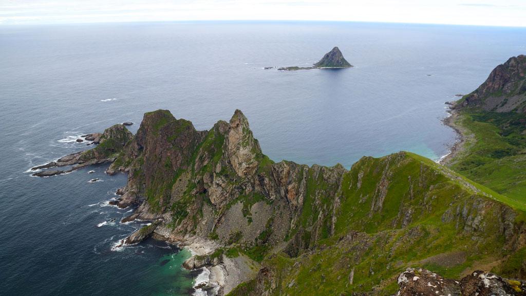 Magnifica veduta dall'alto di Andoya (isole Lofoten)